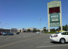 The Southland mall is the city's main regional shopping center.